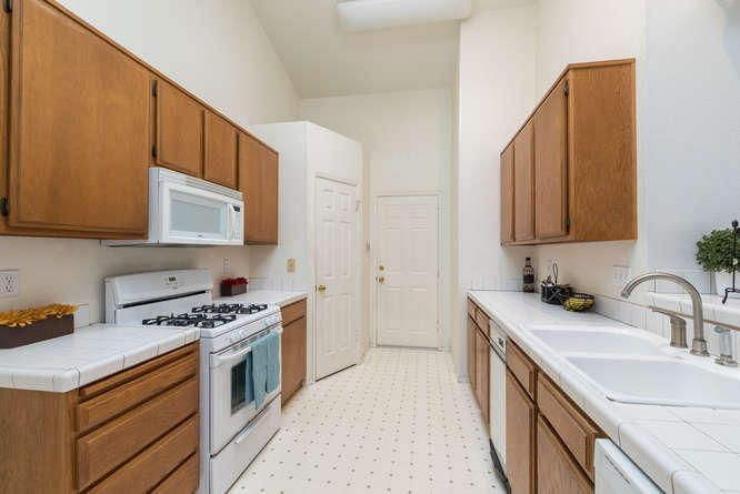 1125 Arnold Ave Lompoc CA-small-016-019-
