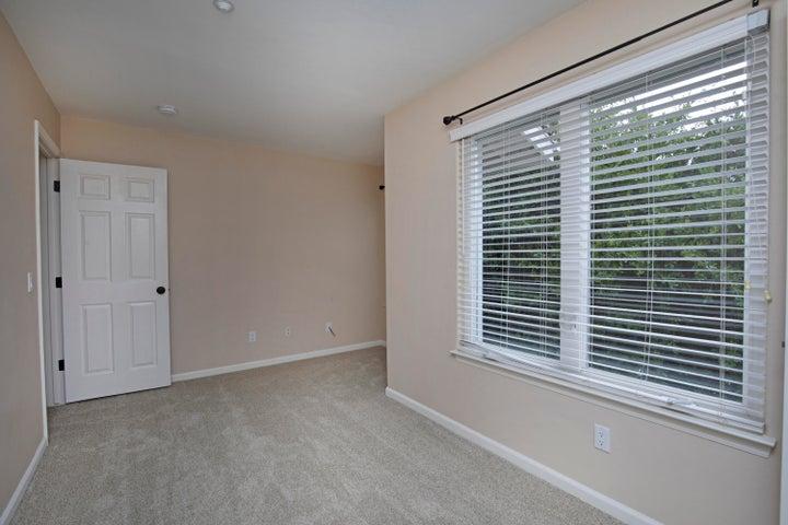 12-Guest Room-2