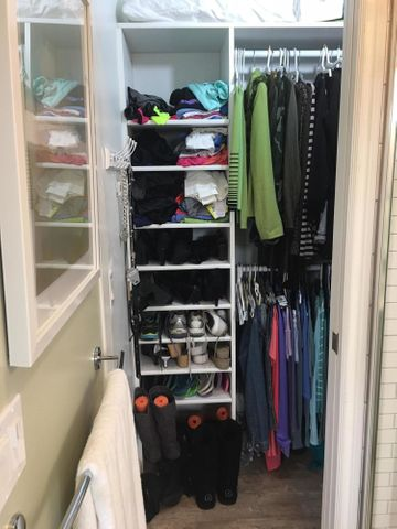 Studio walk in Closet