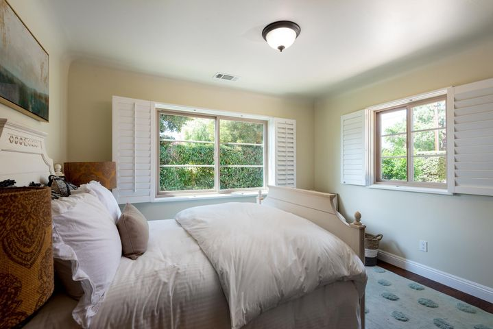 Mountain View Bed 3