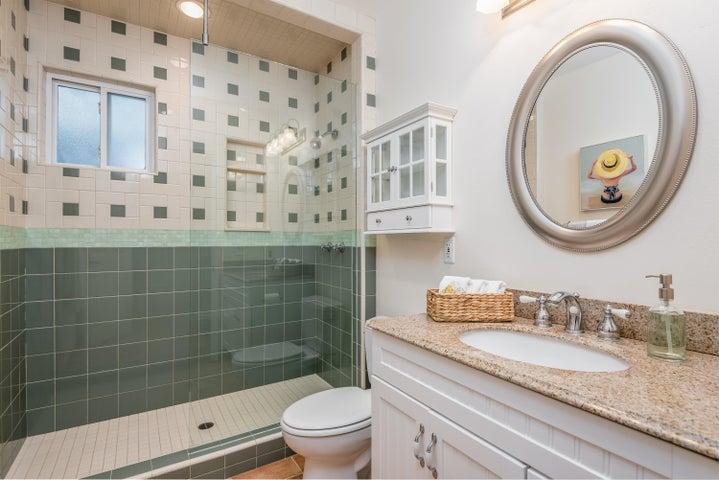 16-Master Bathroom
