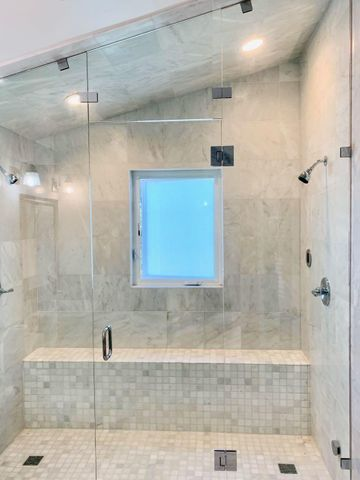 GuestStudioSteamShower