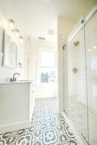 Bath Street Unit 4 (Bathroom)