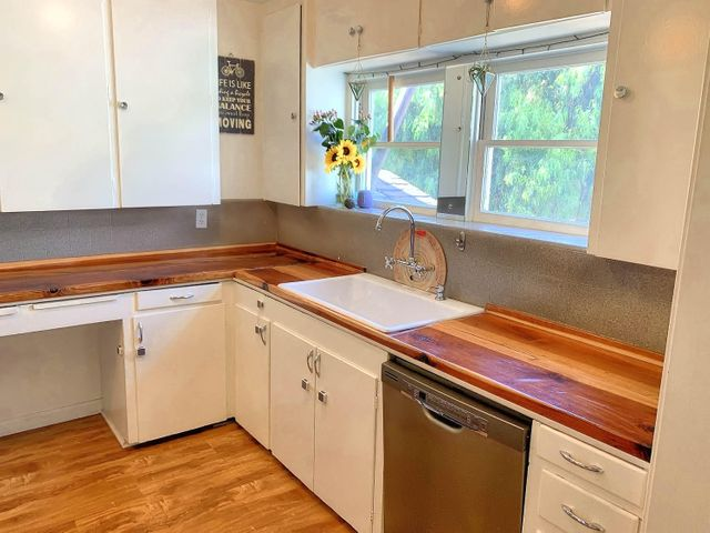 14. Kitchen