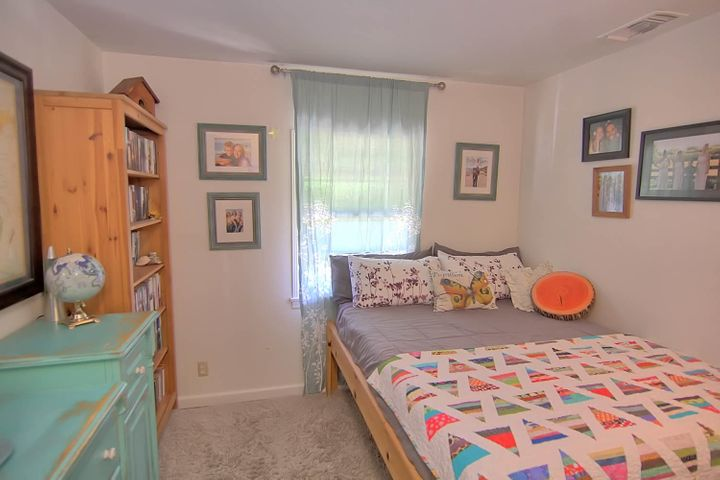 19. Second bedroom