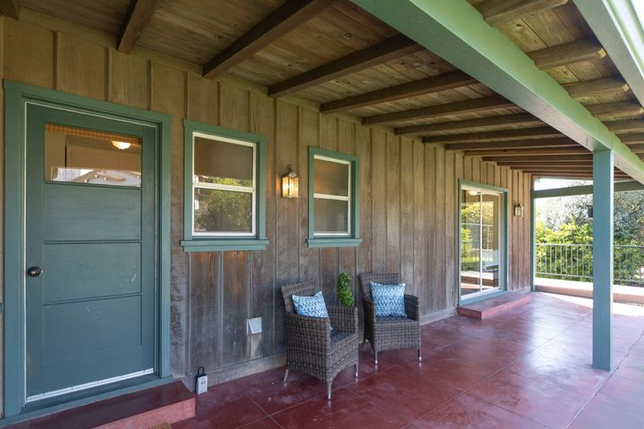 198 Colville Mountain View Porch