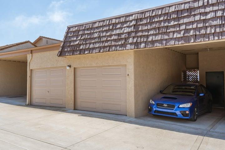 1 car garage, 1 car carport
