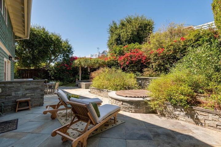 Backyard, built-in newer redwood spa
