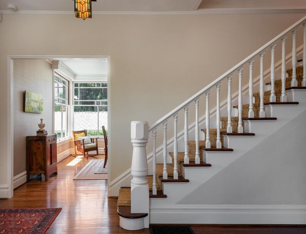 Entry way to Dining room
