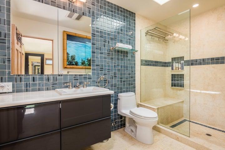 17-Master Bathroom