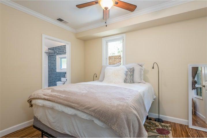 26-Guest Unit Bedroom