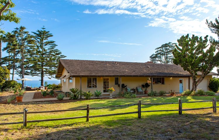 Charming Ranch by the Sea