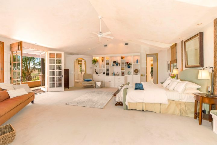 1800+ SF Outstanding Master Suite