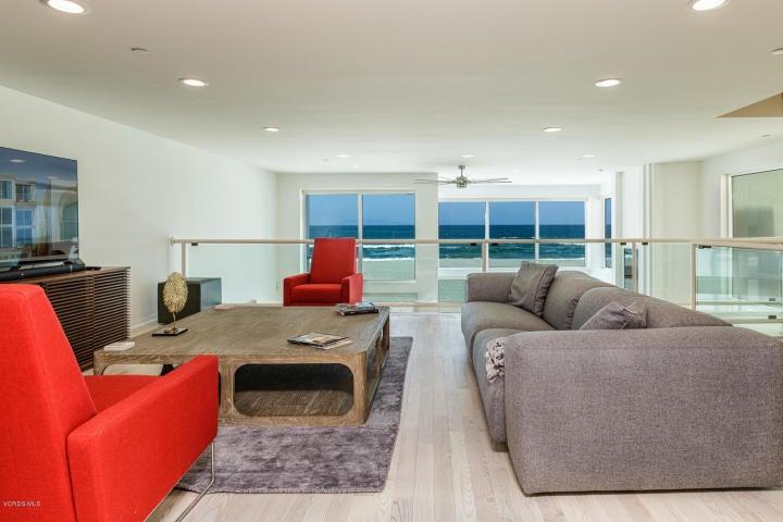 1205 capri 2nd floor loft lvg area