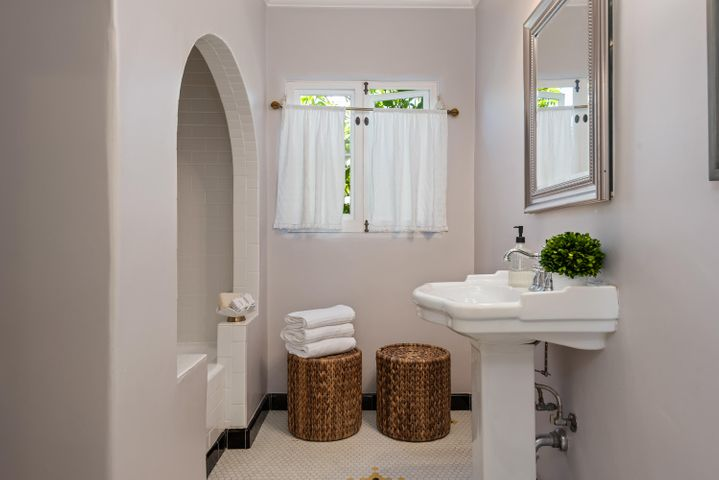 21-Bathroom 2