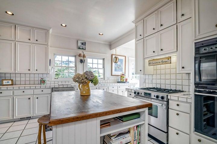 2301 Kitchen