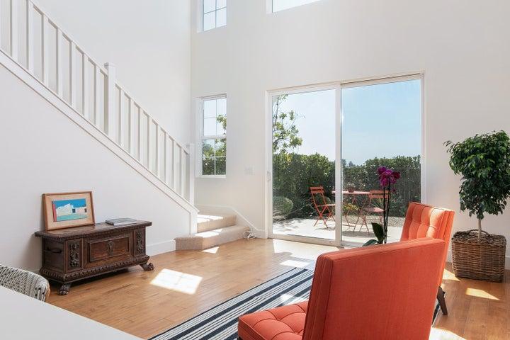 4365 Carpinteria Ave-008-015-Living Room