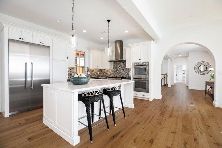 5360 Plunkett Lane Kitchen-Entry