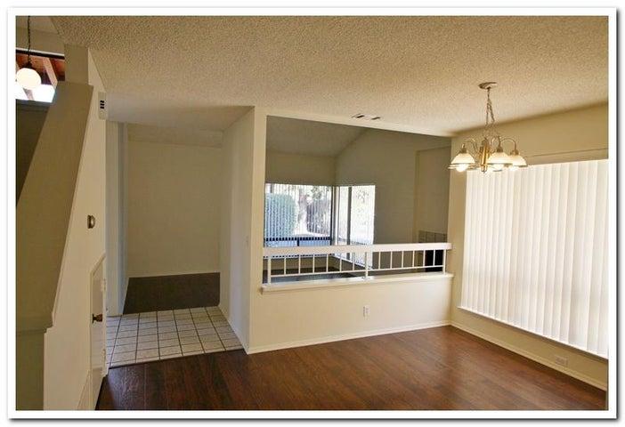 4 Dining & Living Room