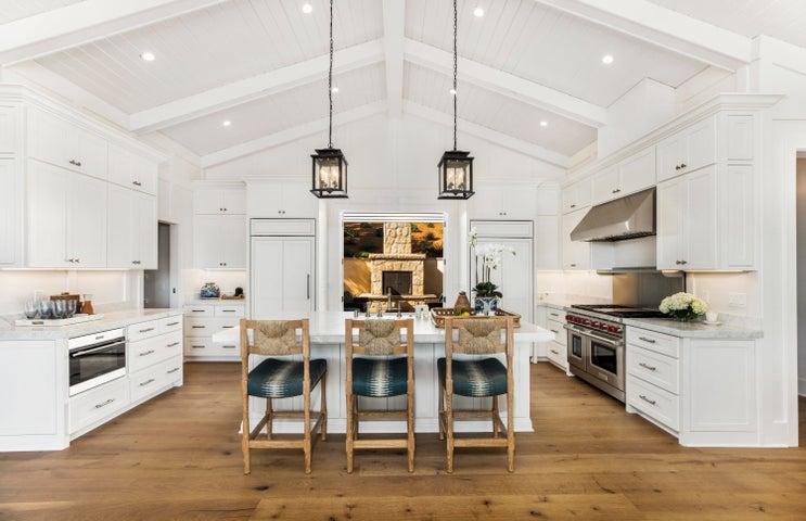 Stunning Remodeled Kitchen