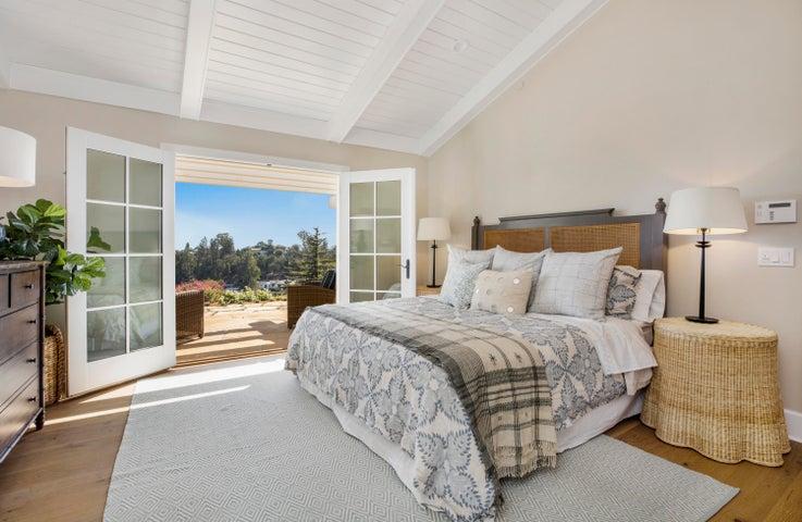 Ocean View Guest Suite w/ French Doors