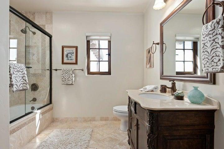 020-20-Bathroom 2_m