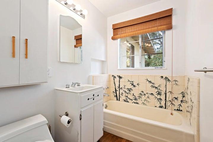 2nd Bathroom_750 El Bosque