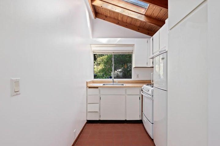 Guest House Kitchen_750 El Bosque