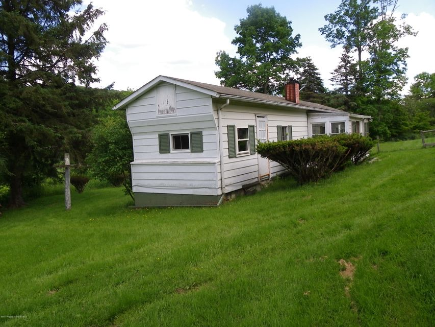 LOCATED IN BETWEEN MONTROSE AND TRIPLE CITY  2 BEDROOM TRAILER LOW COST LIVING               GREAT INVESTMENT FOR RENTAL