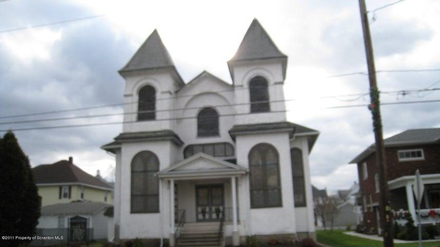 707 Main St, Peckville, PA 18452