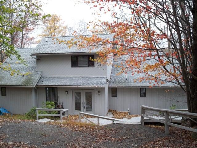 2038 Roamingwood Road, Lake Ariel, PA 18436