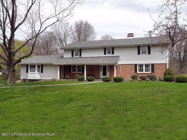 3 Starlight Dr, Waverly, PA 18471