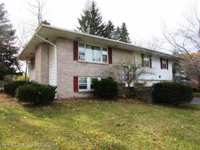 24 Driftwood Dr, Clarks Summit, PA 18411