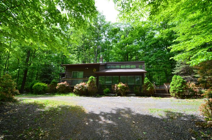 119 W Creek View Dr, Gouldsboro, PA 18424