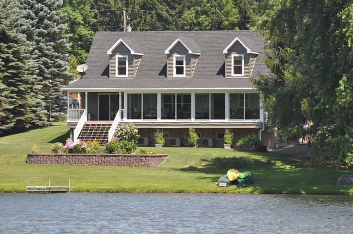 990 Lake Road, New Milford, PA 18834