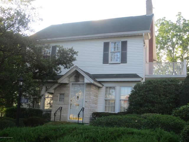 1730 Monroe Ave, Dunmore, PA 18509