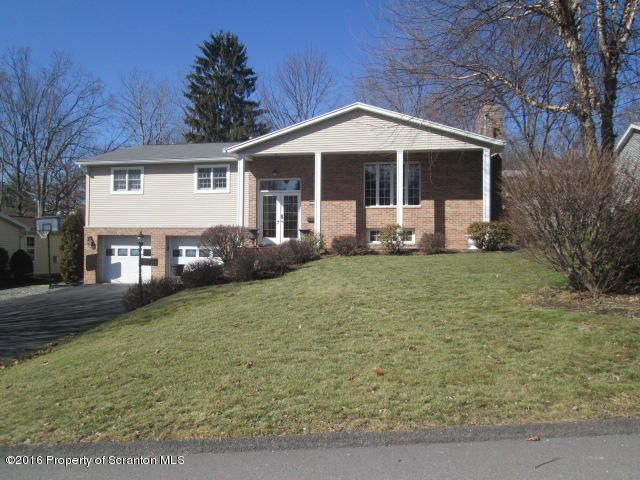 614 Timber Ln, Clarks Summit, PA 18411
