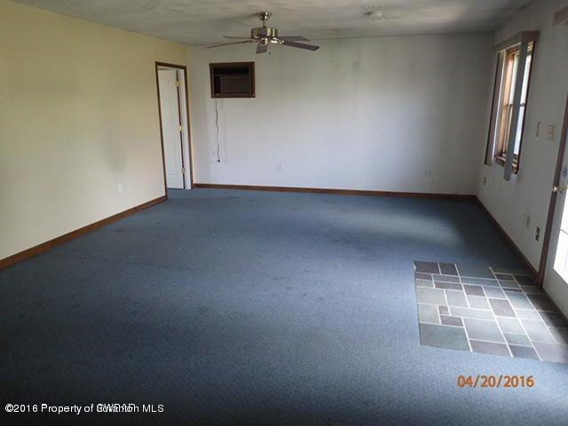 1124 Acker Ave, Scranton, PA 18504