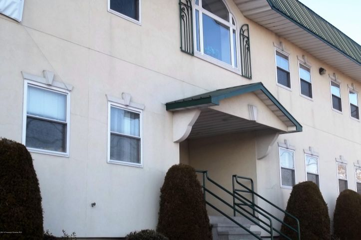 1416-1418 MAIN First Floor ST, Peckville, PA 18452