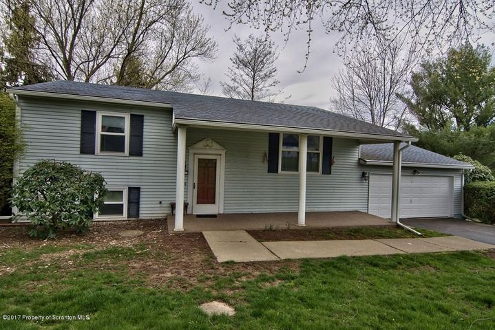 1110 Fairview Rd, Clarks Summit, PA 18411