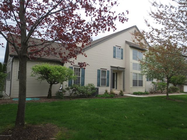 40 Hedge Row Run, Clarks Summit, PA 18411