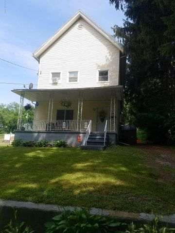 117 Gorham Ave, Mayfield, PA 18433