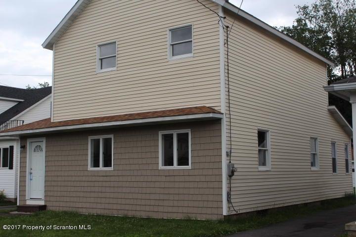 714 Lackawanna Ave, Mayfield, PA 18433