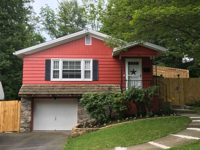 605 Division St, Clarks Summit, PA 18411