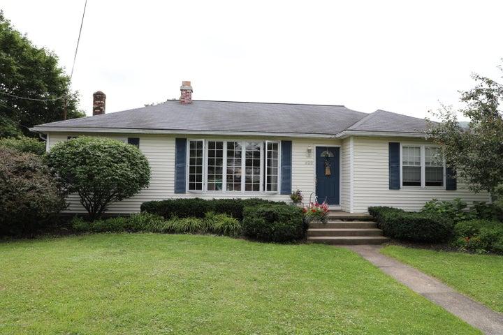 820 Layton Road, South Abington Twp, PA 18411