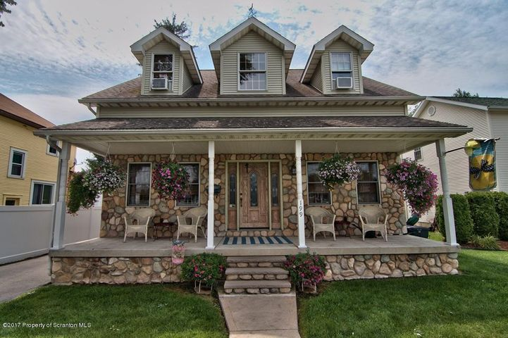 199 Constitution Ave, Jessup, PA 18434
