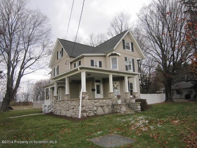 1108 W Grove St, Clarks Summit, PA 18411