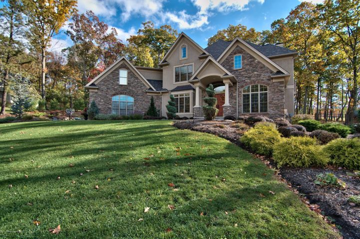 120 Rock Ridge Dr, South Abington Twp, PA 18411
