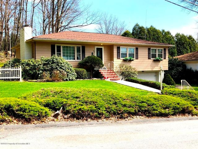 310 Crestwood Ave, Clarks Summit, PA 18411