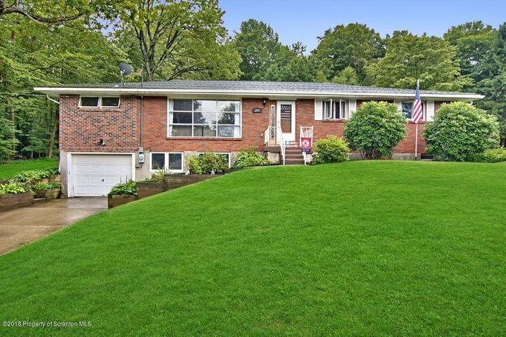 209 MOSSWOOD ROAD, Roaring Brook Twp, PA 18444